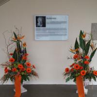 Gedenktafel über Max Mannheimer im Eingangsbereich des Max-Mannheimer-Bürgerhauses