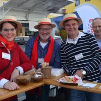 Das Team von Tonollo's Cafebar