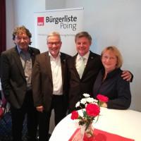 Bürgermeisterkandidat Reinhard Tonollo mit Bürgermeister Albert Hingerl und den Fraktionssprechern der Gemeinderatsfraktion Bärbel Kellendorfer-Schmid und Peter Maier.